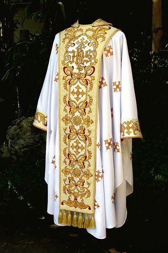 Center Sole and Chasuble (Silver Anniversary Vestments) | Flickr