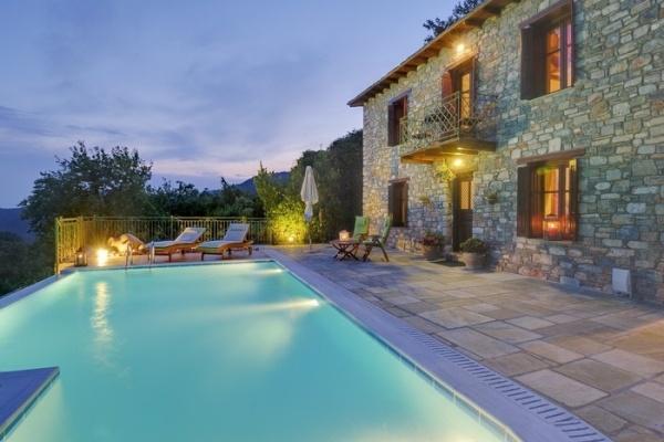 Villas in Greece - The garden of Pelion