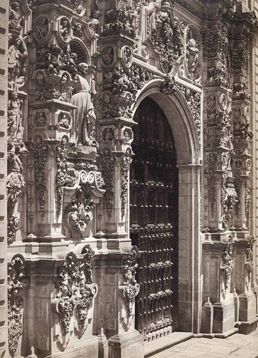 Fachada del Templo del Convento de Tepozotlan, México