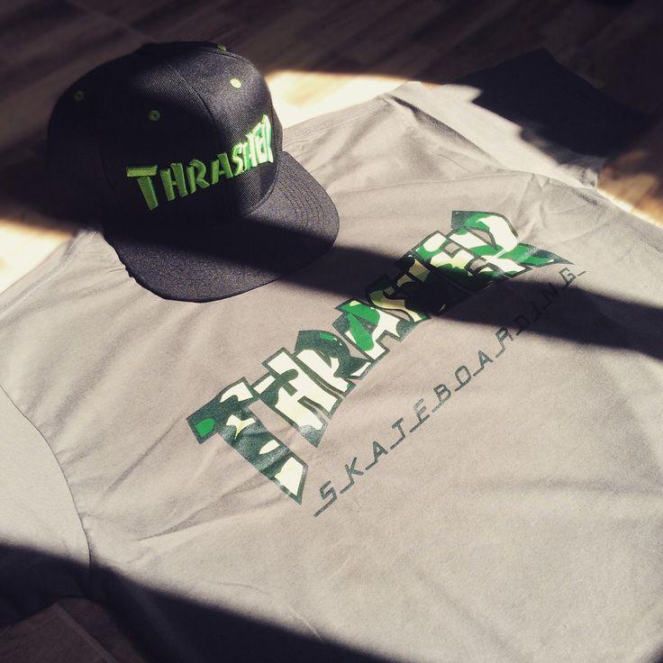As melhores marcas de skate estão na Ska! Aqui você encontra produtos oficiais Thrasher como camisetas, regatas, raglans e bonés. ✴️Loja Física: Rua Capitão João Cesário, 79 Penha São Paulo ❇️️Loja Virtual: ️️www.skalojavirtual.com.br  #skaskaterock #atitudeacimadetudo #novidadetododia #vemprapenha #skalojavirtual #thrasher #thrashermag #tshirt #clothing #apparel #cap #hat #bone #snapback #skate #skateboard #skateordie