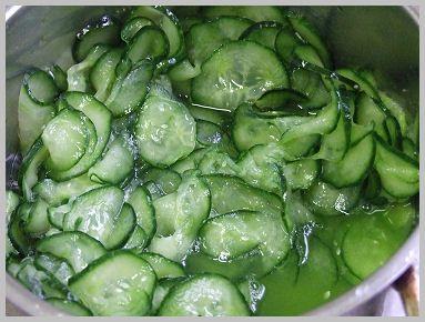 Saláták: uborka, paradicsom, káposzta