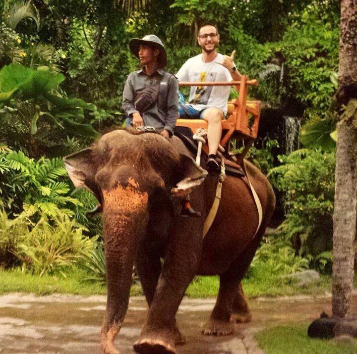 La dura vita di un croupier CERUS imbarcato sulle navi da crociera Royal Caribbean alla scoperta di Bali  #scuolacroupier #ceruscasinoacademy #iwanttraveltheworld #croupiersullenavidacrociera #bali #royalcaribbean - http://ift.tt/1HQJd81