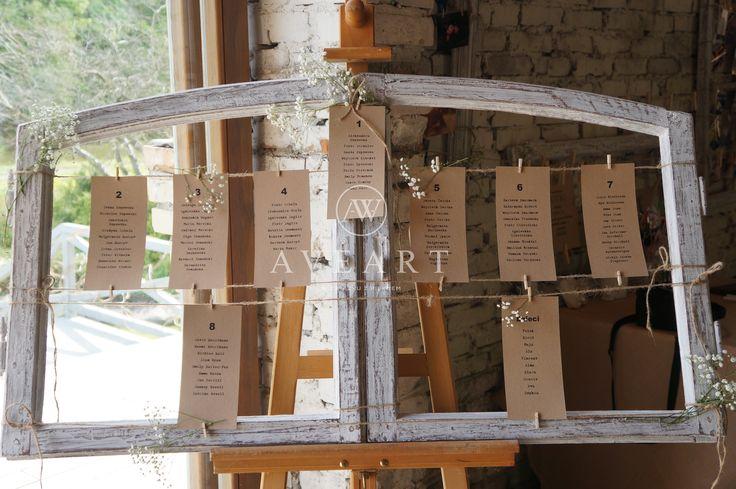 Tablica ślubna w drewnianej, patynowanej okiennicy