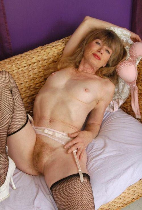Busty anal gape barbamiska