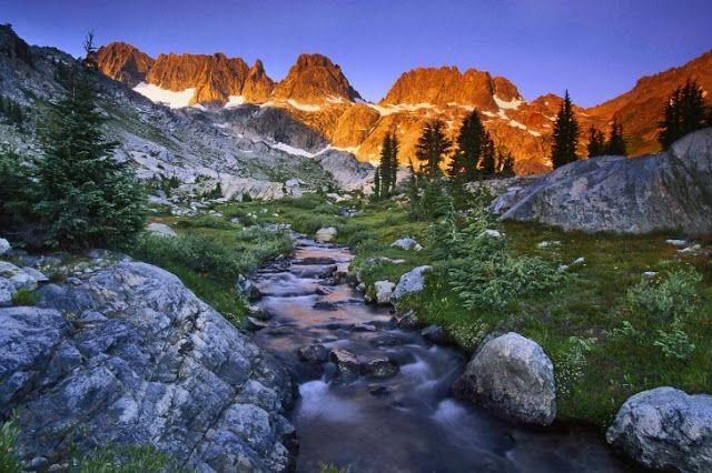 TOP WORLD TRAVEL DESTINATIONS: Ansel Adams Wilderness, Sierra Nevada, California,...
