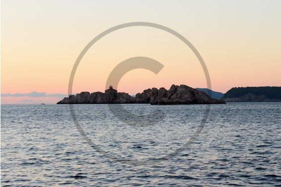 Le phare de Dubrovnik - Croatie | Christie Cartes   $2 - Photo de Thibaud Laroche - christiecartes.com