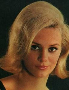 Jackie DeShannon – For You (1967): This album presents Jackie DeShannon performing adult contemporary pop songs that are lushly accompanied by an orchestra. Interestingly, these songs are very nicely performed, suggesting that Jackie could maybe have achieved adult stardom. My favorite tracks: Don't Dream of Anybody But Me*When I Fall In Love*It's All In The Game*If You Gotta Make A Fool Of Somebody*Are We Dancing. I enjoyed this pleasing album on vinyl today, 6/28/2017. Rating: 84%