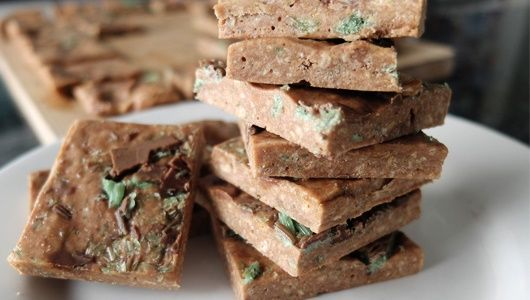 Peppermint Crisp marshmallow squares / Food24 Your family and friends will love you forever!