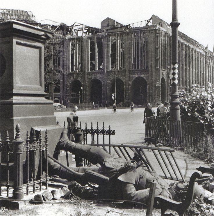 Friedrich Seidenstücker, Berlin, Leipziger Platz, 1945.