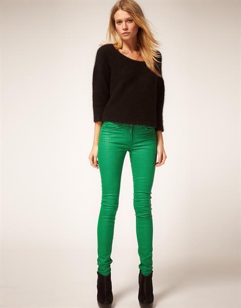 С чем сочитаются зелёные штаны
