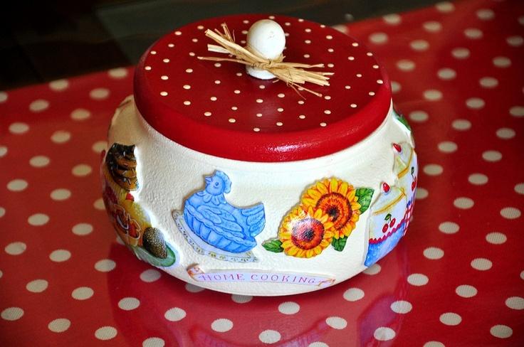 http://derintasarim.blogspot.com/2012/08/mutfaktaki-krmz.html
