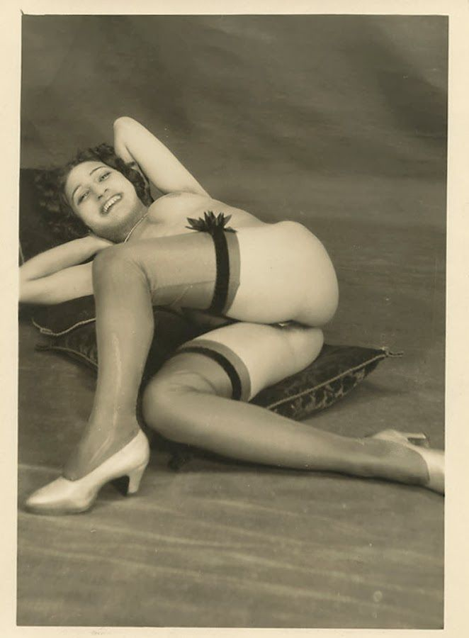 1930 erotic photo deepthroat skills