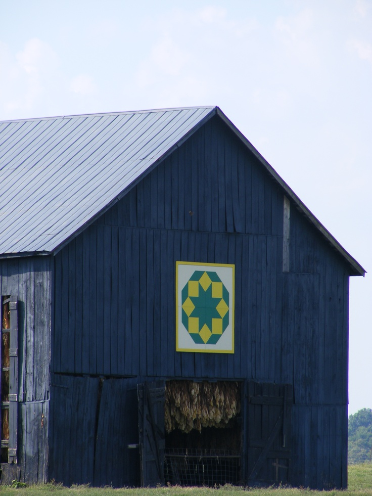 Quilt Patterns On Barns In Ky : Central Kentucky Barn...see the tobacco hanging to dry Kentucky Pinterest Quilt, The o ...