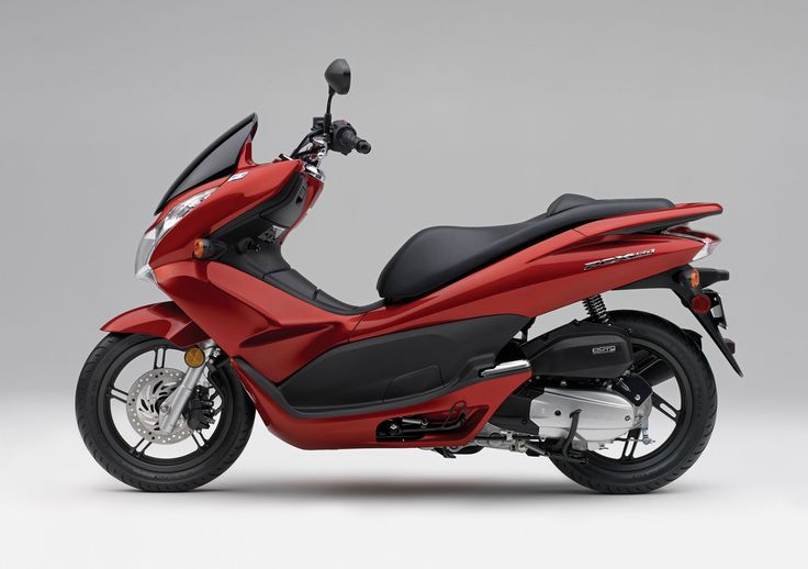 Find the high quality latest  Honda PCX Bikes Photo Gallery and pictures online.