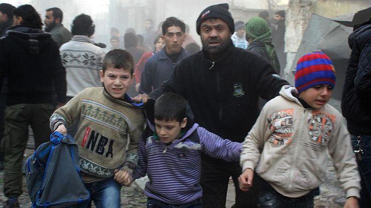 Rus uçakları Halep'te anaokuluna saldırdı: 3 çocuk öldü Suriye'de Rus ordusuna ait savaş uçakları, Halep'te muhaliflerin kontrolünde bulunan Zibdiye mahallesinde bir anaokuluna saldırması sonucu 3 çocuk hayatını kaybetti.