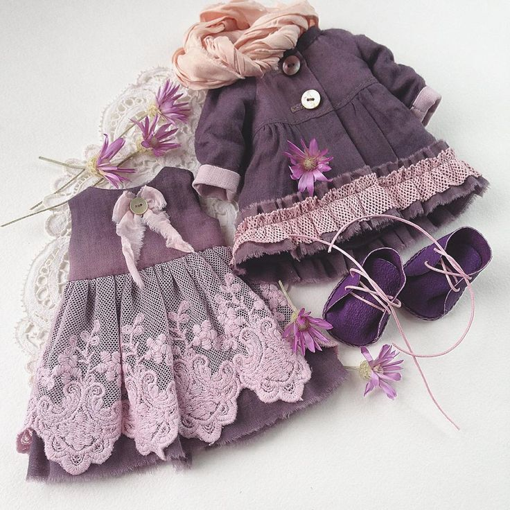 АУКЦИОН! Комплект готовой одежды и набор выкроек ( куклы, одежды и обуви)…