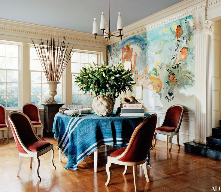 A fashion photographers los angeles home honors its historic past