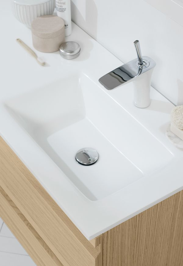 The Fresco asymmetric washbasin is not just ideal beneath a sloping wall, it offers free space next to it, making those busy mornings a bit easier. against scratches and dirt.