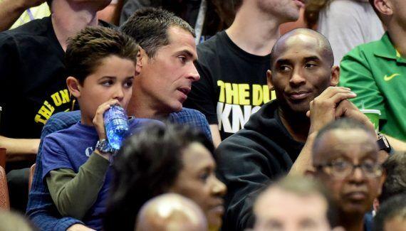 Le nouveau GM des Lakers veut «se mettre au service des joueurs» -  S'il a déjà assuré ne pas vouloir se passer de Kobe Bryant, l'ancien agent Rob Pelinka n'a pas encore annoncé sa vision et son projet pour les Lakers. Nommé General… Lire la suite»  http://www.basketusa.com/wp-content/uploads/2017/03/pelinka-kobe-2-570x325.jpg - Par http://www.78682homes.com/le-nouveau-gm-des-lakers-veut-se-mettre-au