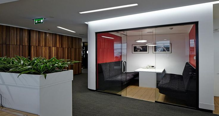 Collaborative space into the premises of JLL in Moscow, Russia