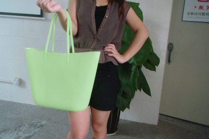 do you like this beach bag ? http://www.chinasiliconebag.com/
