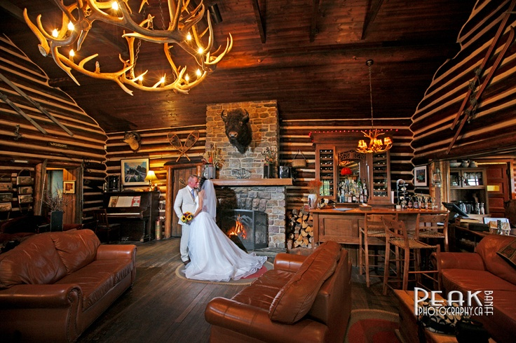 Trish & Joel / October 6/12 / Storm Mountain Lodge / Photography by Malcolm Carmichael