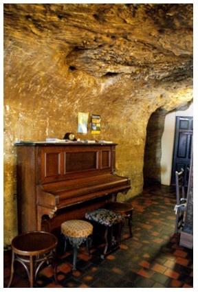 Hand & Heart cave pub, Nottingham.