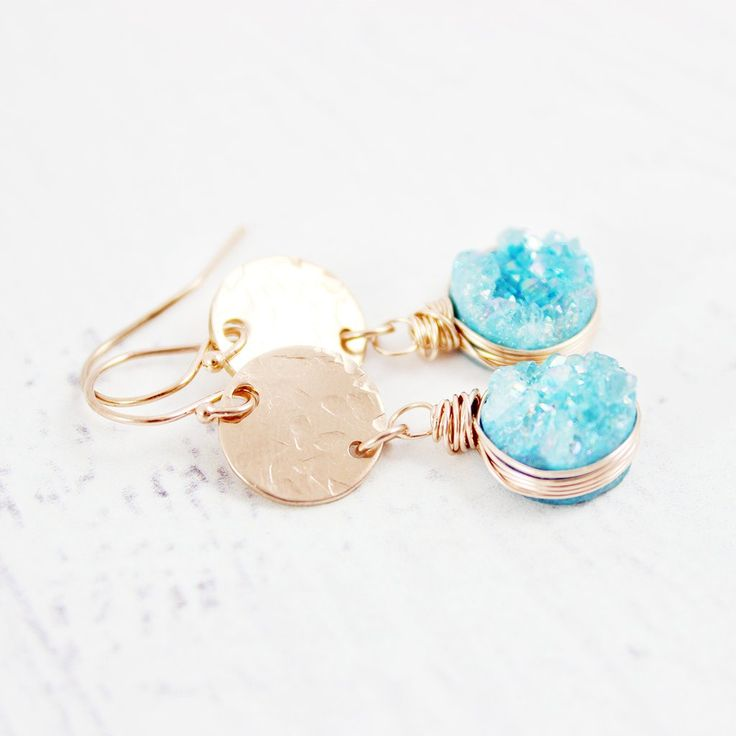 LIGHT BLUE DRUZY ROSE GOLD DANGLE EARRINGS  | Earrings | Necklace | Jewelry | Gemstone Jewelry | #gemstone #druzy #gemstonejewelry #jewelry #handmadejewelry | www.starlettadesigns.com