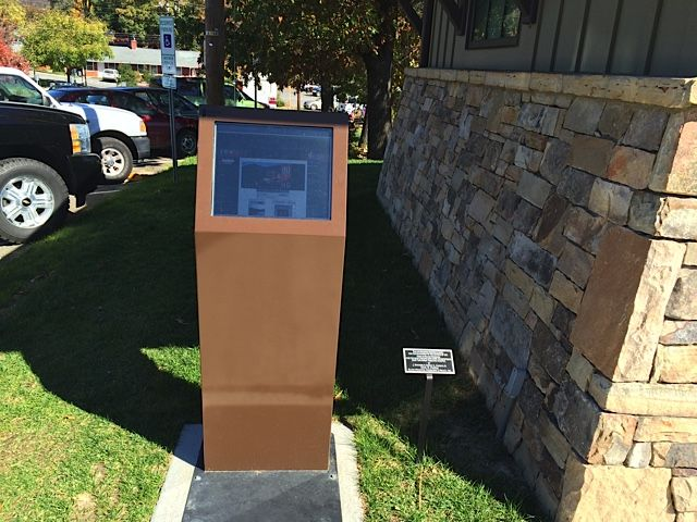 Take a look at the Enviro outdoor kiosk displaying information for the town of Black Mountain, NC. Black Mountain decided on the brown powder coat finish to tie it in with their natural colors. Check out the Enviro's page to learn more about how it can market for you 24/7 outdoors!   http://www.advancedkiosks.com/enviro-outdoor-kiosk.php