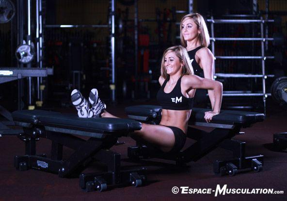 Dips Entre Deux Bancs pour travailler les muscles pectoraux et les triceps. #musculation #chest #woman #femme #exercice #bodybuilding #workout #fitness #exercise