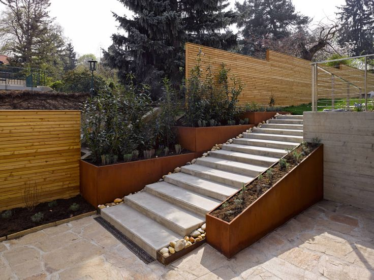 Article: 14 garden privacy solutions to avoid nosey neighbours 14 garden privacy solutions to avoid nosey neighbours  https://www.homify.co.uk/ideabooks/1428377/14-garden-privacy-solutions-to-avoid-nosey-neighbours