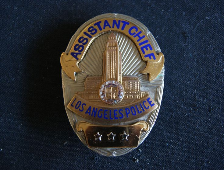 Los Angeles Police, Scarce Police badge, Retired Assistant
