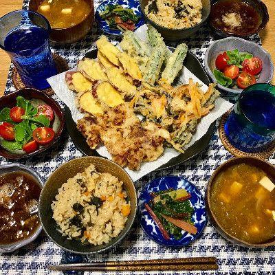 天ぷら盛り合わせ  (新玉葱と人参とハンダマのかき揚げ、さつまいも天、豚肉天、オクラ天)  アイスプラントとフルーツトマトのサラダ  フーチバージューシー  スイスチャードの胡麻和え  生アーサと豆腐の味噌汁