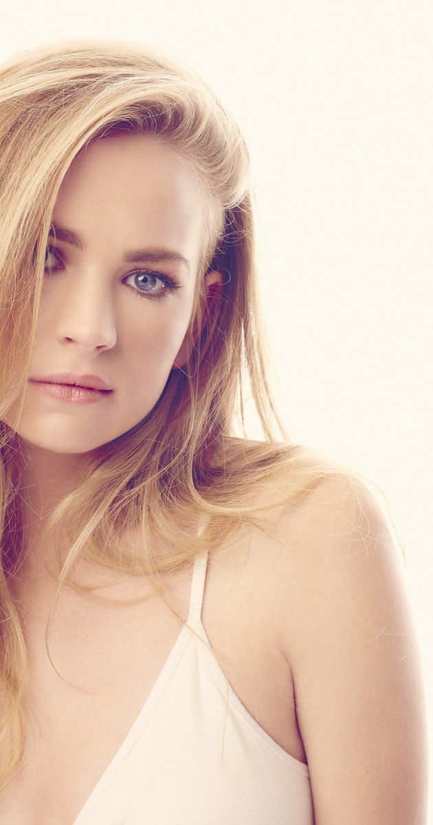 Britt Robertson photos, including production stills, premiere photos and other event photos, publicity photos, behind-the-scenes, and more.