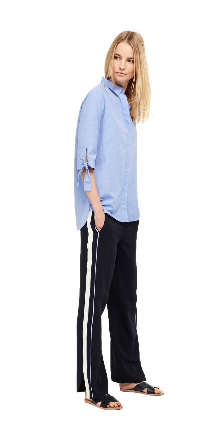 Damen Outfit Casual and Stripe Look von OPUS Fashion: blaue Bluse, blaue Stoffhose