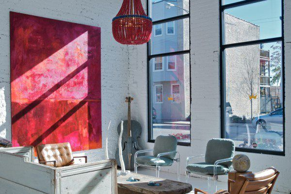 splashes of redWall Art, Pop Of Colors, Abstract Art, Vintage Wardrobe, Interiors Design, Living Room, Expo Bricks, Leather Chairs, White Room