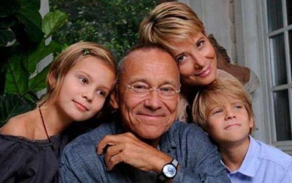 Состояние здоровье дочери Юлии Высоцкой и Андрея Кончаловского вызывает неподдельный интерес и искренние надежды российского общества