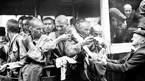 Que sait-on du retour des déportés ? Comment s'est-il passé dans la réalité ? Comment ces personnes ont pu se reconstruire et vivre après une telle expérience ? Comment ce traumatisme a eu des répercussions sur leurs descendants ?