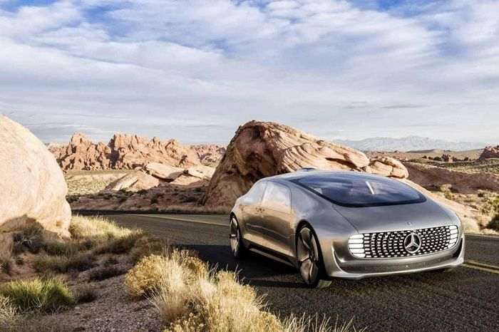 Have you meet Mercedes-Benz F 015 Luxury in Motion?