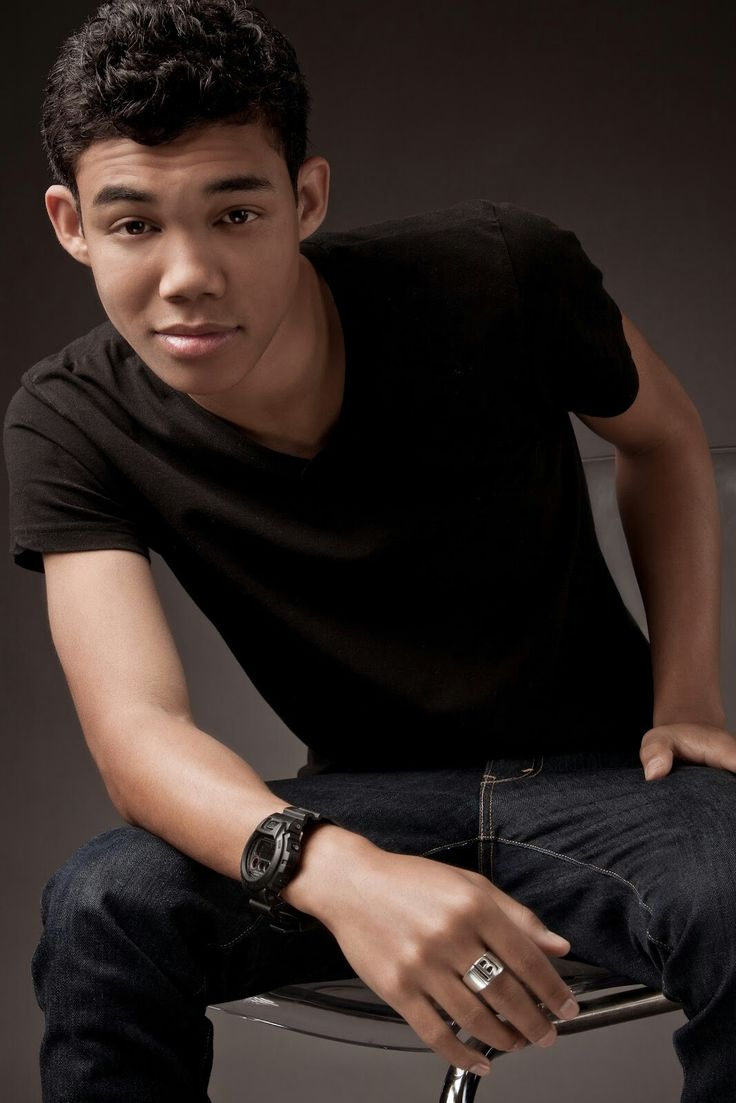 Roshon Fegan Abs