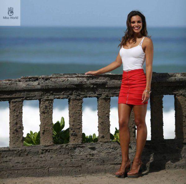 Marine Lorphelin - Miss France 2013 b. 16/03/1993 à Mâcon (71) - 1,78m Miss Bourgogne