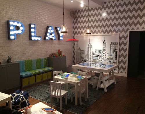 "Samsung,New York,""PLAY"", pinned by Ton van der Veer"