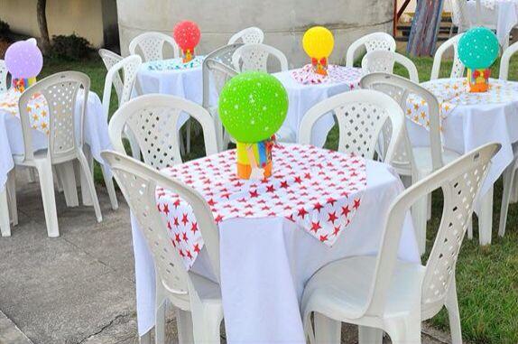 Centros de mesa palhacinhos com lata leite e eva