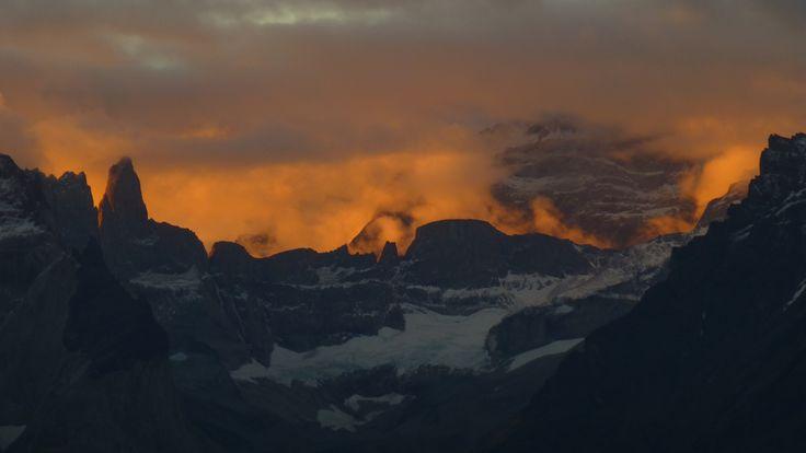 https://flic.kr/p/eckzPc | día 5 - Valle del Bader, atardecer un poco más tarde | otra imagen de la misma serie, ese día el atardecer se nos vino profundo; buena imagen para llegar a Torres del Paine