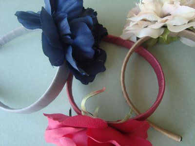 DIY flower headbands: Head Bands, Crafts Ideas, Diy Flowers, Flowers Headbands, Flower Headbands, Diy Headbands, Christmas 2008, Handmade Christmas Gifts, Homemade Christmas