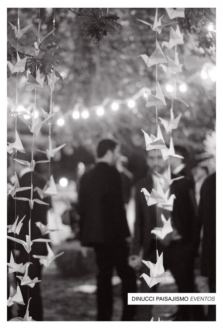deco para boda  ph: Luz Dinucci #weddingdeco #boda #ambientación #deco #casamiento #grullas #kermesse #luces #backdrop