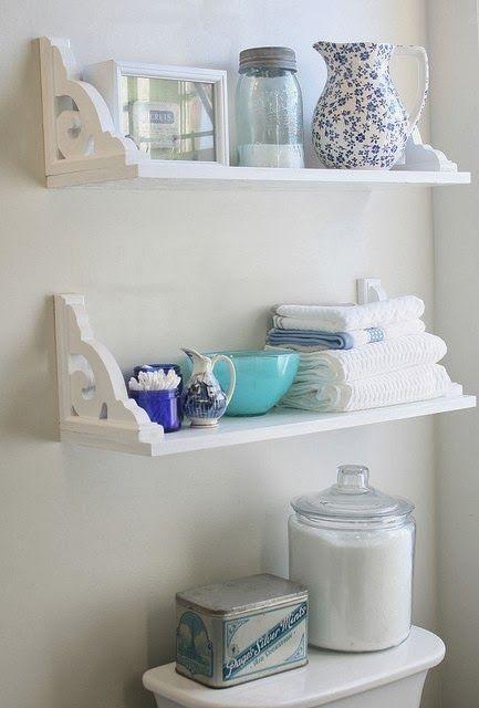 Son una maravilla. Un pequeño espacio que nos sirve como un 2 en 1: organizar y decorar a la vez.   Así tengas repisas empotrada...