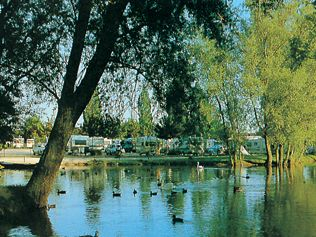 CHALONS-EN-CHAMPAGNE Camping Municipal