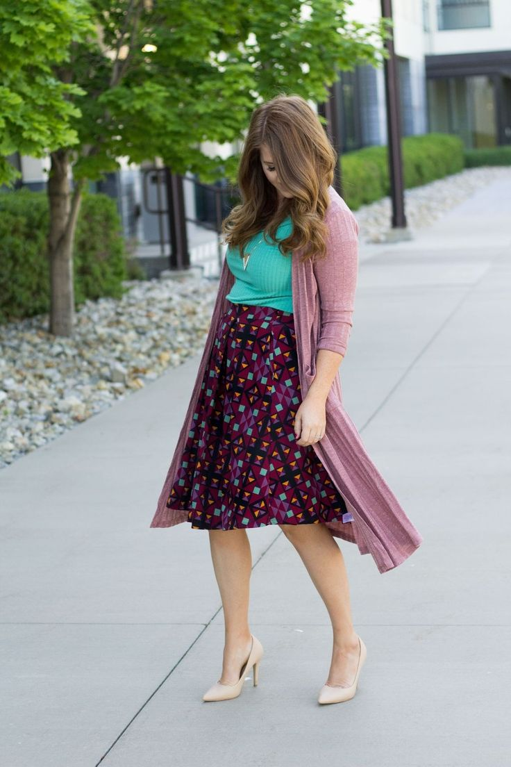 Cool 40 Trendy Midi Skirts Outfits To Try