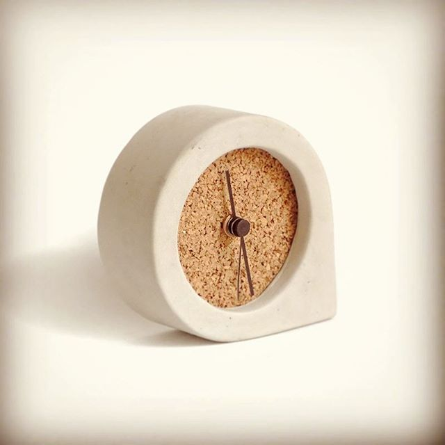 Here we are! Comma clock  concrete and terracotta handmade objects  www.kippiee.com